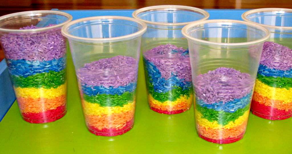 Rice rainbows in cups.
