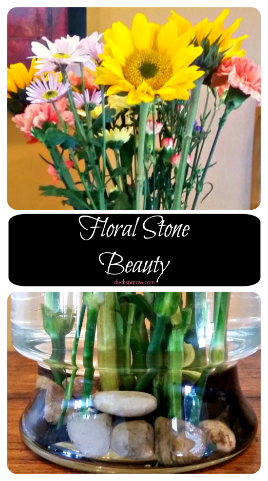 Make Your Flowers In A Clear Glass Vase Look Fabulous With Stones Ducks N A Row