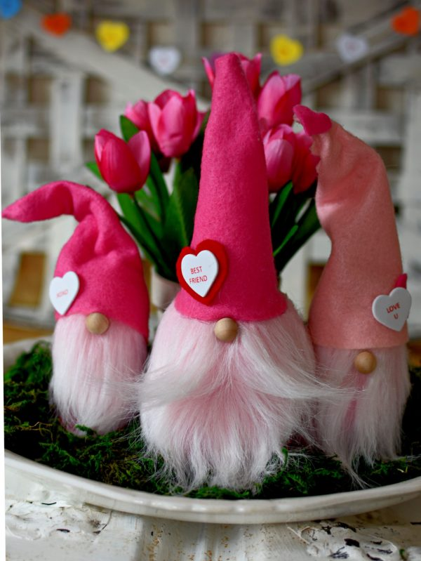 DIY Valentines Day Gnomes