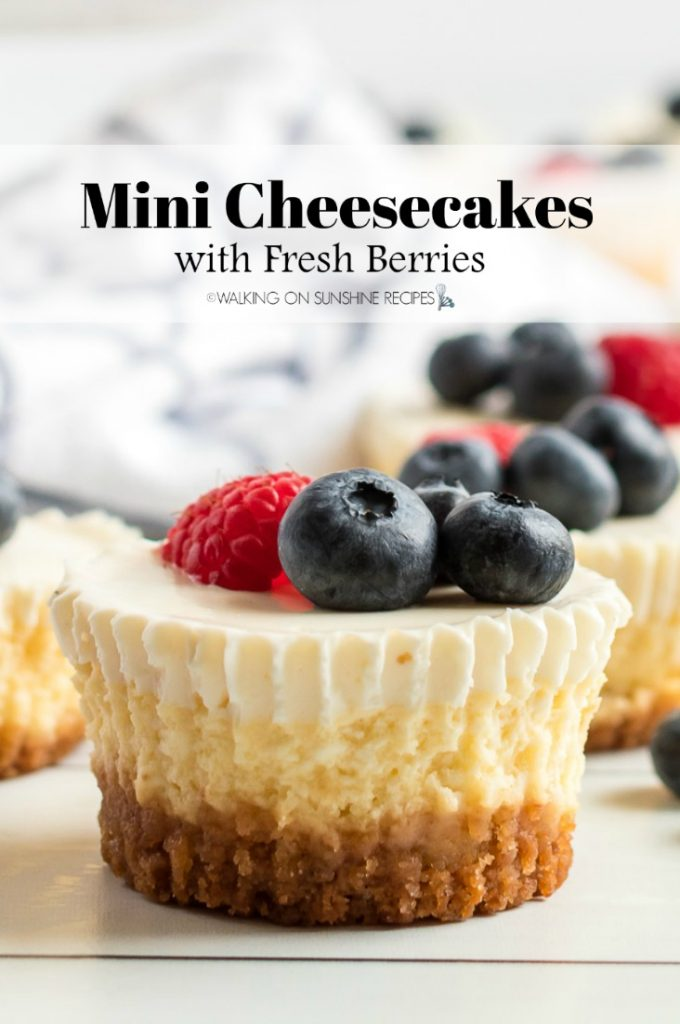 Mini cheesecakes with berries by Walking on Sunshine #recipes